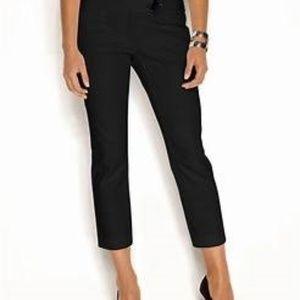 The Limited drew fit size 2 black capri crop pants